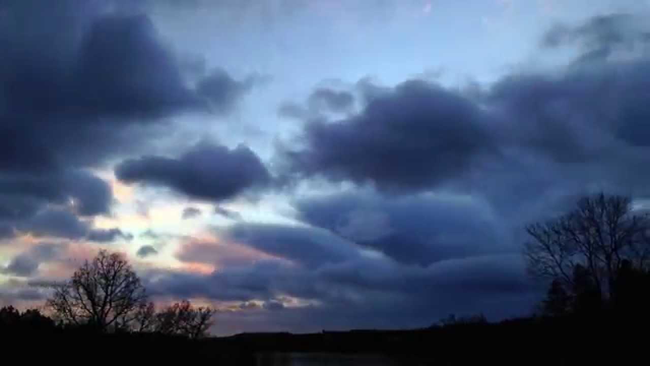 Kort TimeLapse av himlen vid Stormen Svea 2015-01-02
